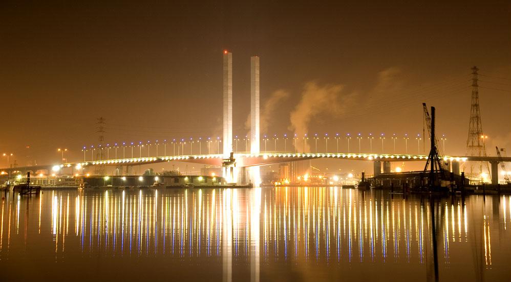 Bolte_Bridge_at_Night